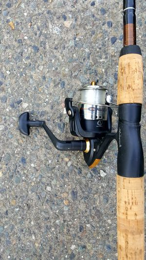 Shakespeare Fishing Reel with Tackle Box for Sale in Seattle, WA