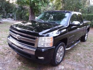 $4900... 2009 CHEVY SILVERADO EXTENDED CAB.... GREAT DEAL for Sale in Jacksonville, FL
