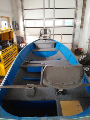 14 ft traveler v bottom boat for Sale in Gettysburg, PA