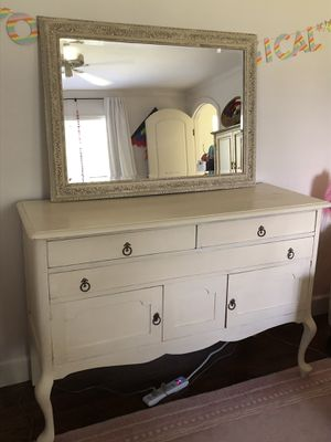Antique Dresser and Mirror for Sale in Delray Beach, FL