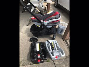GRACO CLICK 2 CONNECT Car seat, stroller, 2 bases (outgrown) for Sale in Indianapolis, IN