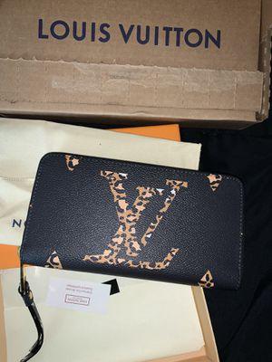 Louis Vuitton zippy wallet authentic for Sale in Atlanta, GA