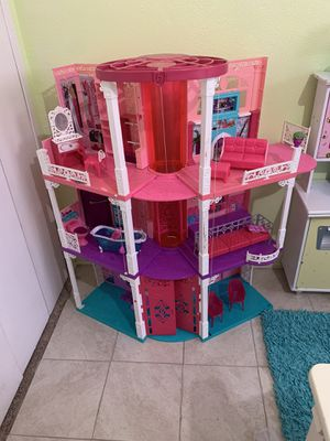 Barbie Dream House and Kids Kraft Kitchen Play Set for Sale in Grand Prairie, TX