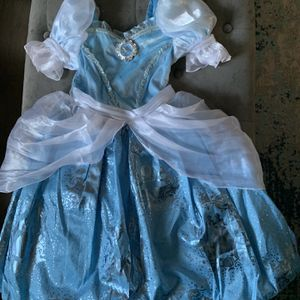 Cinderella Disney Princess Dress From Disney World for Sale in Spring Hill, TN