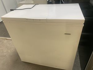 Frigidaire freezer for Sale in Ocoee, FL