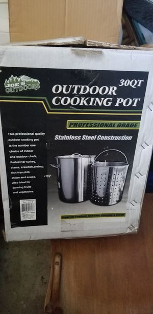 30qt Pot and Strainer Basket with Lid for Sale in Marysville, WA