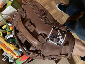 Nokona baseball/softball glove for Sale in Fremont, CA