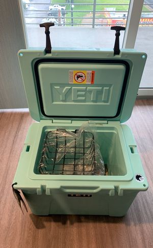 Brand new rare limited edition 35 tundra Seafoam YETI Cooler for Sale in Austin, TX