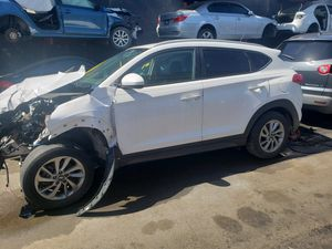 Hyundai Tucson for part out 2017 for Sale in Opa-locka, FL