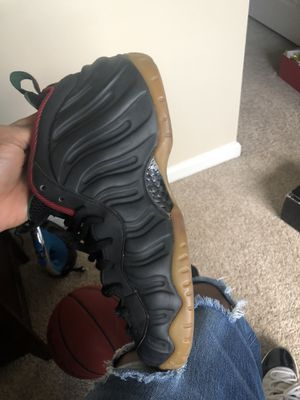 $135 GUCCI FOAMS SZ 10.5 Can't fit anymore Need Gone Tonight for Sale in Rockville, MD