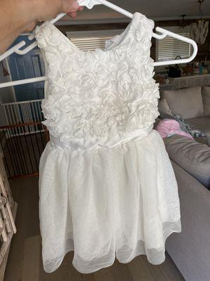 White flower girl dresses 2T & 4T for Sale in La Mesa, CA