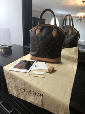 Authentic Louis Vuitton Monogram Lockit PM Handbag for Sale in Tampa, FL