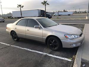 1999 Lexus ES 300 for Sale in Bloomington, CA