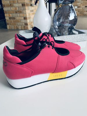 NEW Liu Jo sneakers size 8 for Sale in Chicago, IL