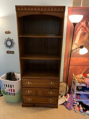 Curio cabinet/dresser for Sale in Cranberry Township, PA
