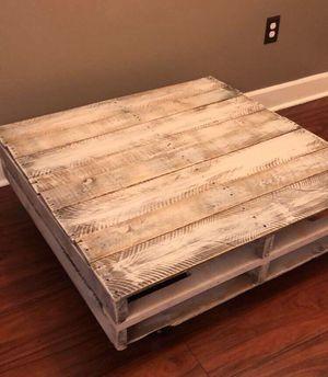 Farmhouse coffee table for Sale in Warner Robins, GA