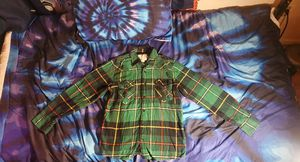Pine green flannel size medium for Sale in Red Bank, NJ