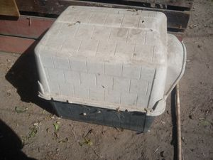 Petmate dog house for Sale in Fresno, CA