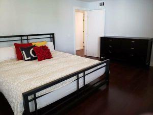 eastern king mattress // memory foam for Sale in Los Angeles, CA