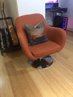 Orange Chair *PRICE REDUCED* for Sale in Seattle, WA