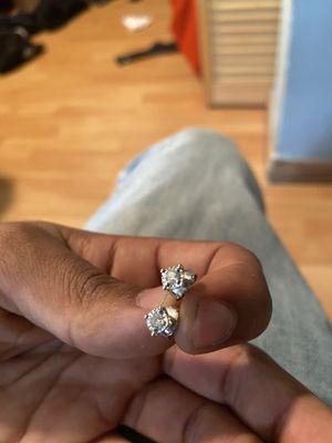 Diamond stud earrings for Sale in FL, US