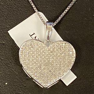 Diamond Heart Pendant for Sale in Trenton, MI