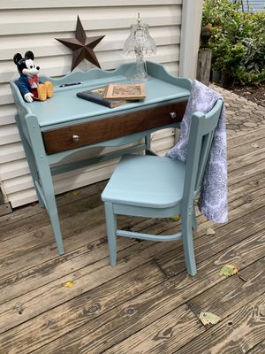 Beautiful Refinished Vintage Maple Desk and Solid Maple Chair. for Sale in Bowie, MD