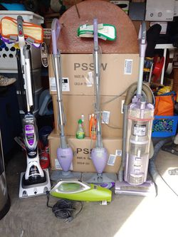 Shark steam mops like brand-new and Shark vacuum Plus miniature vacuum for Sale in Englewood,  CO