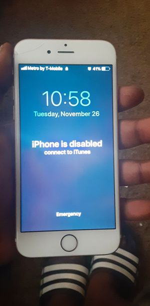 iPhone 6s locked but no icloud I forgot password for Sale in Wichita, KS