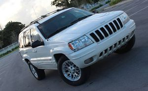Runs Good 2004 Jeep Grand Cherokee AWDWheels for Sale in North Las Vegas, NV