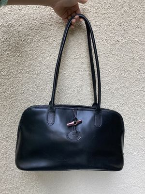 Black Shoulder Bag (Shows Wear) for Sale in Long Beach, CA
