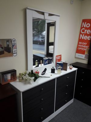 new compressed dresser with mirror for Sale in Anaheim, CA