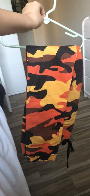 red and orange camo pants for Sale in Pflugerville, TX