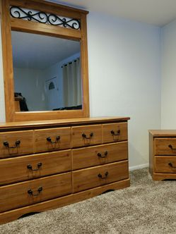 Dresser And Nightstand for Sale in Tacoma,  WA