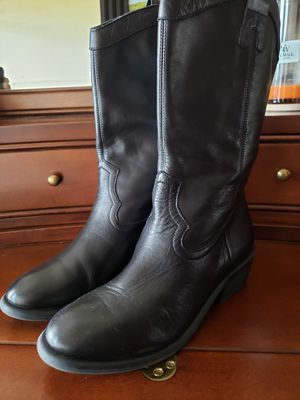 Ladies sz 7.5 Black leather boots for Sale in Riverview, FL