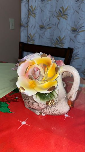 Capodimonte swan with roses for Sale in San Diego, CA