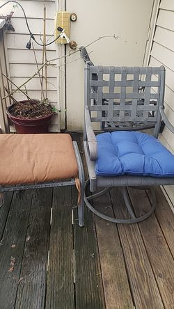 Outdoor chairs for Sale in Portland,  OR