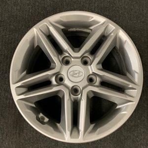 "Single (1) one ☝🏻 Hyundai Kona 16"" nch OEM Wheel 2018 to 2019 for Sale in Corona, CA"