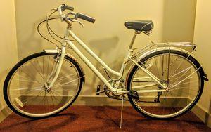 Schwinn Wayfarer women hybrid bike for Sale in Washington, DC