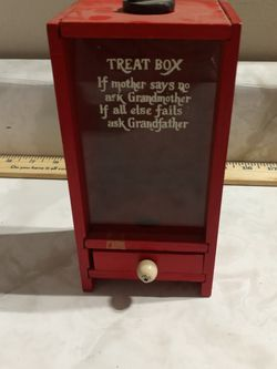 Vintage Wood Kids Treat Box for Sale in Cleveland,  OH