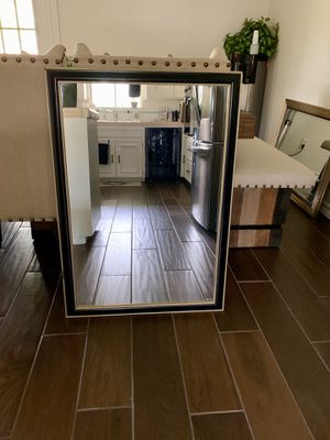 Decorative wall mirror for Sale in McAllen, TX