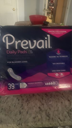 Ladies pads 39 count for Sale in Plano, TX