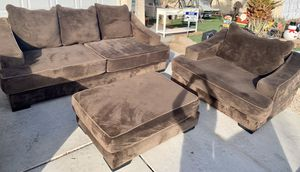 Sofa and loveseat & ottoman ( FREE DELIVERY 🚚) USED/GOOD CONDITIONS for Sale in North Las Vegas, NV