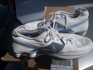 Nike tennis shoes size 6 far young lady for Sale in Brandon, MS