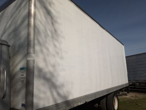 Dry van 24 feet perfect for storage or work clean straight body for Sale in Modesto, CA