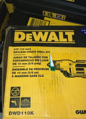 Dewalt 8.0 AMP corded 3/8 keyless chuck drill kit for Sale in Antioch, CA