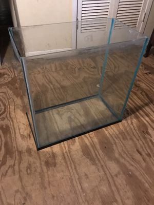 Fish tank 30 gallon tall for Sale in Highlands, TX