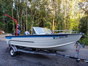Starcraft aluminum boat - crab killer for Sale in Port Orchard, WA