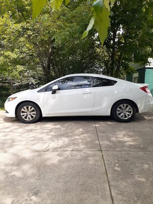 2012 Honda Civic coupe 2 door for Sale in Brooklyn, OH