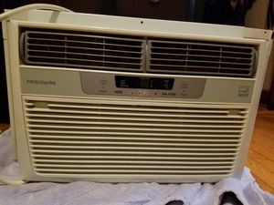 Window AC unit, 8000 btu for Sale in River Forest, IL
